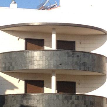 Bloque de 3 viviendas en La Roda (Albacete)